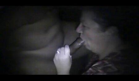 वेबसाइट्स पर काम करने वाले हीथर डीप ने गले सनी लियोन की सेक्सी मूवी वीडियो की क्रीम लगाई