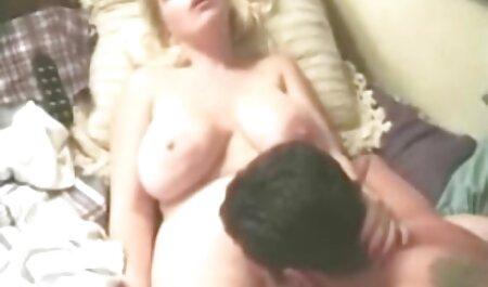 शावर पर युगल बकवास कैटरीना कैफ की सेक्सी मूवी