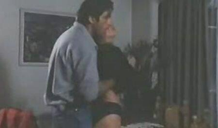 क्रिस्टन स्कॉट सेक्सी वीडियो मूवी और होली मैनसन ने खिलौना खुशी दिखाई