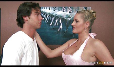 खिलवाड़ को आदी गोरा किशोरों उसे dildo के साथ चिढ़ा कैटरीना की सेक्सी मूवी