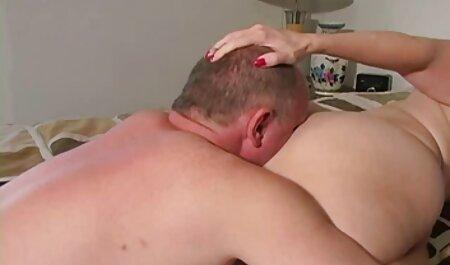 लैसी अधोवस्त्र में गर्म एमआईएलए काला मुर्गा सेक्सी फिल्म फुल मूवी द्वारा जोर दिया जाता है