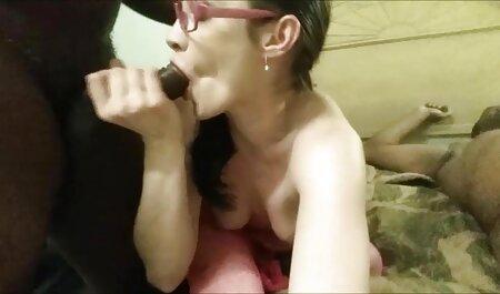 सींग का बना गोरा उसे गीला योनी उत्तेजित बफ सेक्सी मूवी करता है