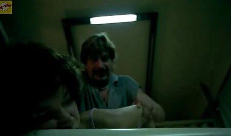 फूहड़ है सेक्स 1 सेक्सी मूवी वीडियो में