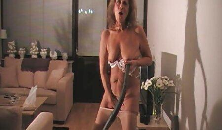 गंजा आदमी रूसी श्यामला द्वारा बार-बार ऐश्वर्या राय सेक्स मूवी पीटा जाता है