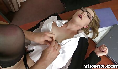 स्टेप्सन और सनी लियोन सेक्सी वीडियो मूवी स्ट्रिपर के साथ Slutty Stepmom 3way