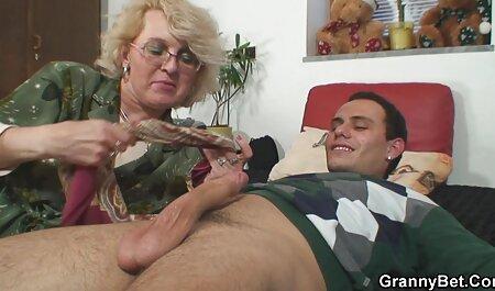 सुपर गर्म नन्हा उसकी सेक्सी मूवी हद में बिल्ली और खिलौने उसे गधे रगड़