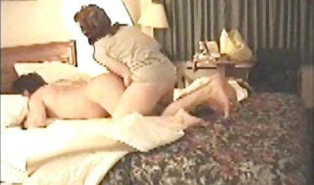 मित्सु अन्नो ड्यूड से बालों वाली चूत पर और अंदर वाइब्रेटर हीरोइन सेक्सी मूवी प्राप्त करता है